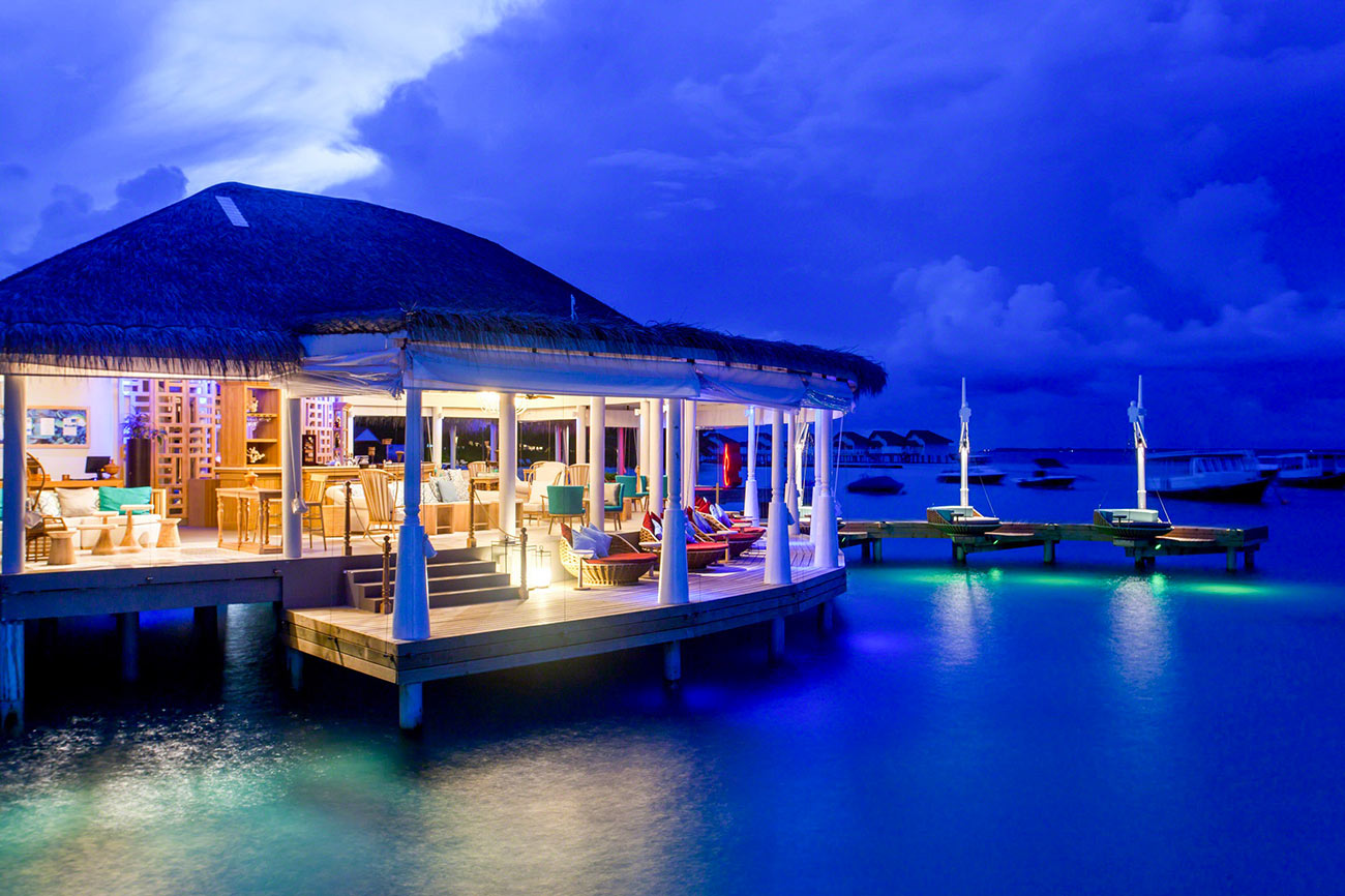 Centara Grand Island Resort Maldive Aqua Bar