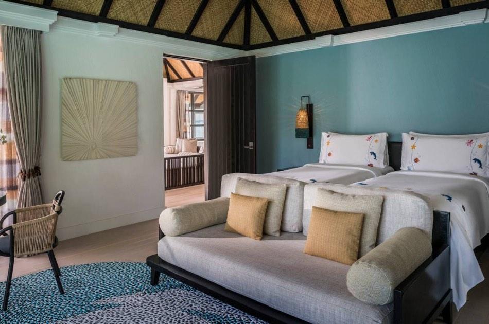 Resort Maldive Four Season Resort Kuda Huraa water suit with pool