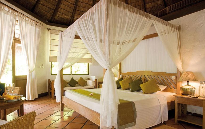 Coco Palm Dhuni Kolhu resort Maldive deluxe villa