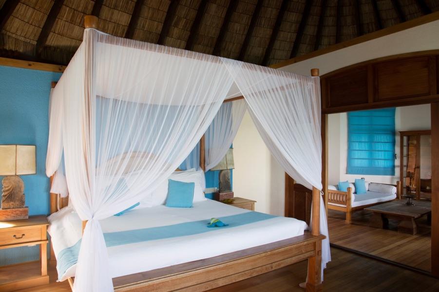 Coco Palm Dhuni Kolhu resort Maldive sunset lagoon villa