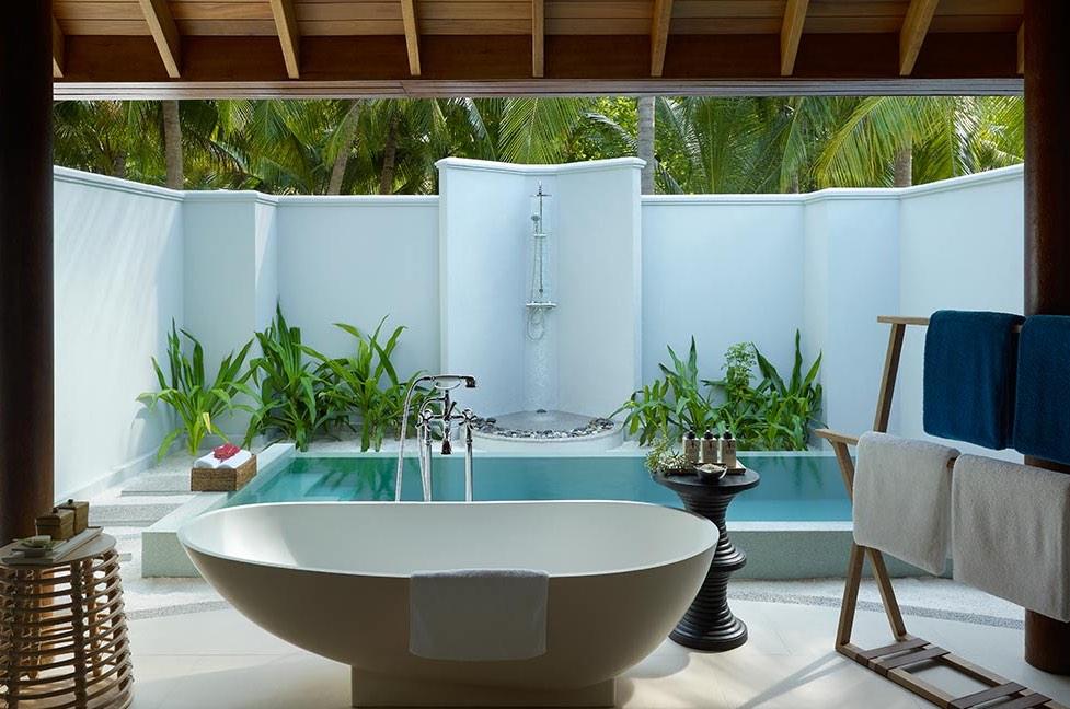 Resort Maldive Dusit Thani beach villa with pool
