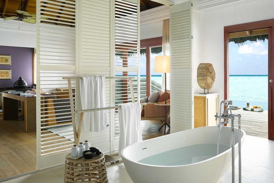 Resort Maldive Dusit Thani ocean villa with pool