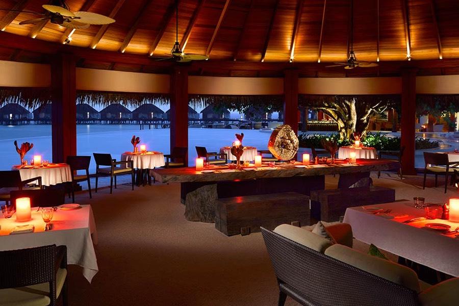 Resort Maldive Dusit Thani beach ristorante sea grill