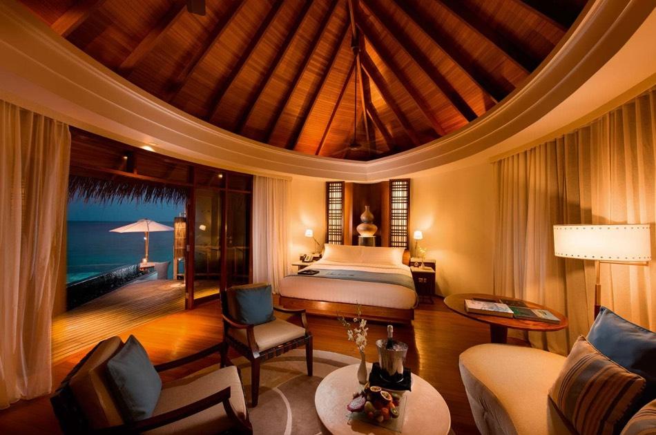 Ristorante Maldive Constance Halaveli water villa