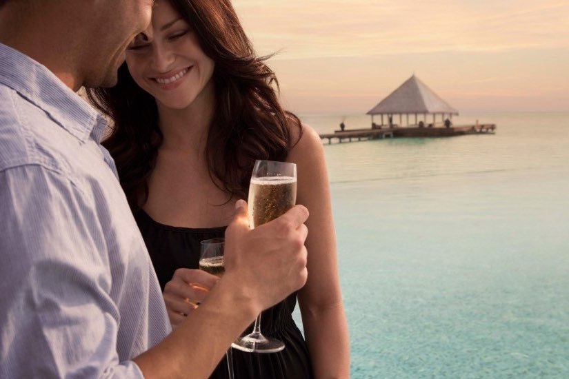 Coco Palm Bodu Hithi resort Maldive champagne breakfast experience