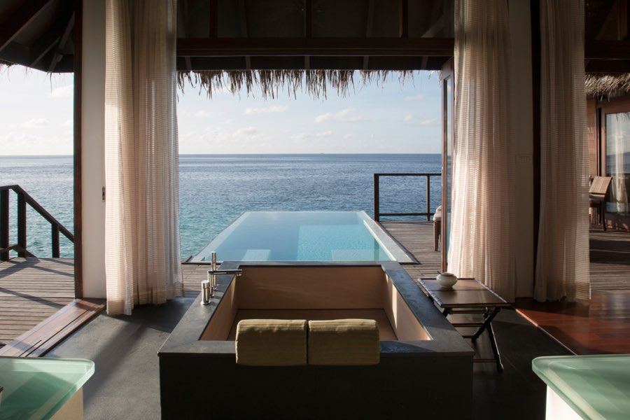 Coco Palm Bodu Hithi resort Maldive escape water villa
