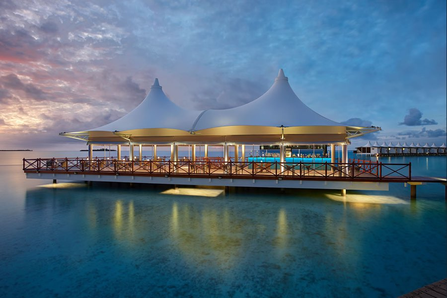 Cinnamon Hakuraa Huraa resort Maldive lounge bar Nalha Falhu
