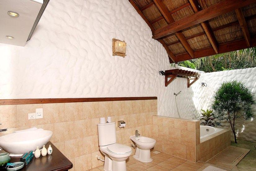 Cinnamon Dhonveli resort Maldive beach bungalow