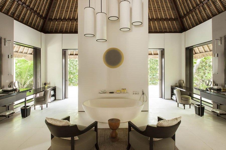 Cheval Blanc Randheli resort Maldive island villa