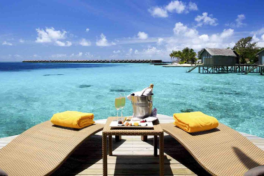 Centara Ras Fushi Resort Maldive deluxe water villa