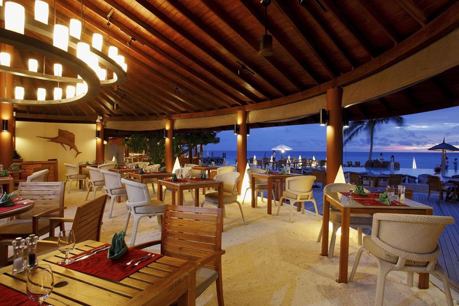 Centara Ras Fushi Resort Maldive ristorante La Brezza