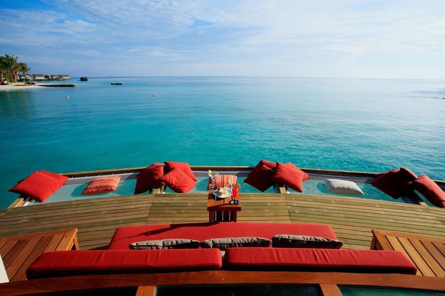 Centara Ras Fushi Resort Maldive Vilu Bar