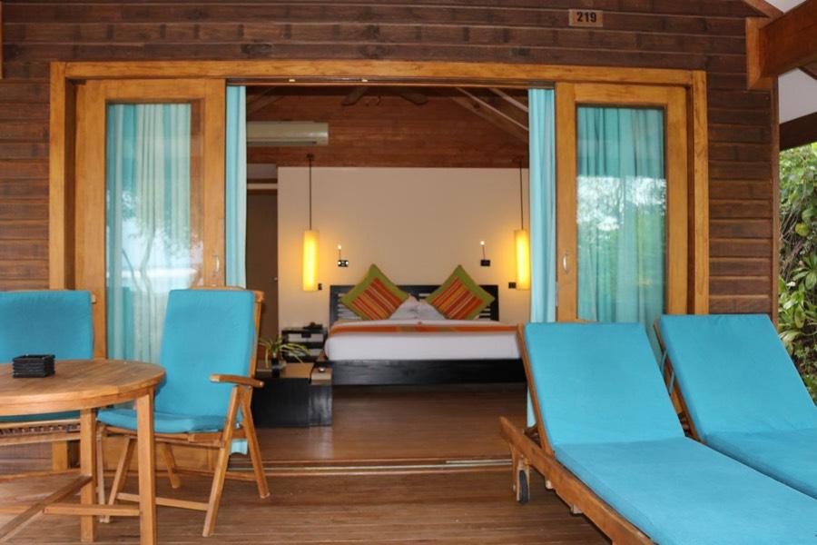 Canareef Island Resort Maldive sunrise villa