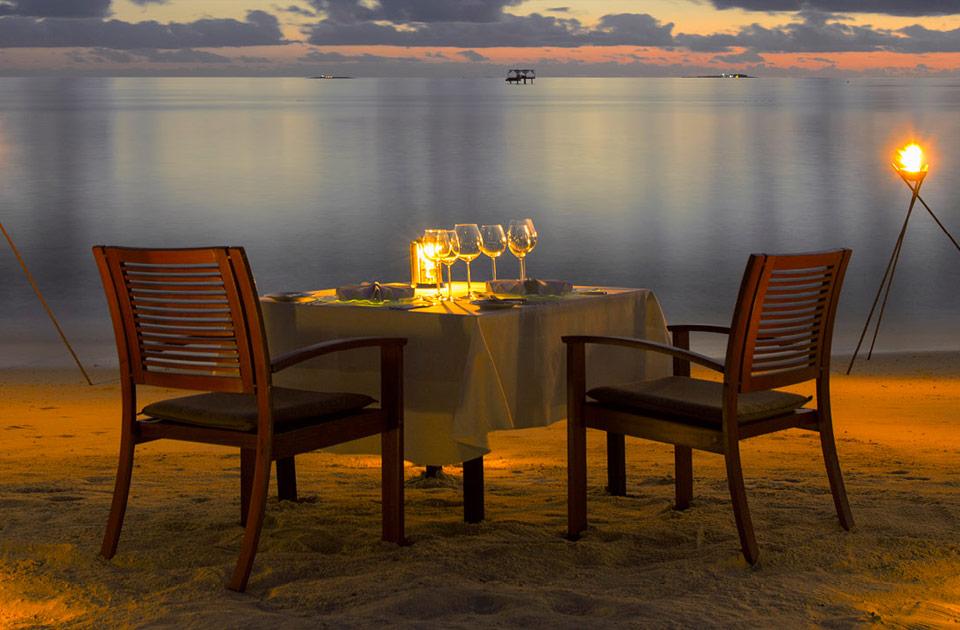 Baros resort Maldive island dinner experience