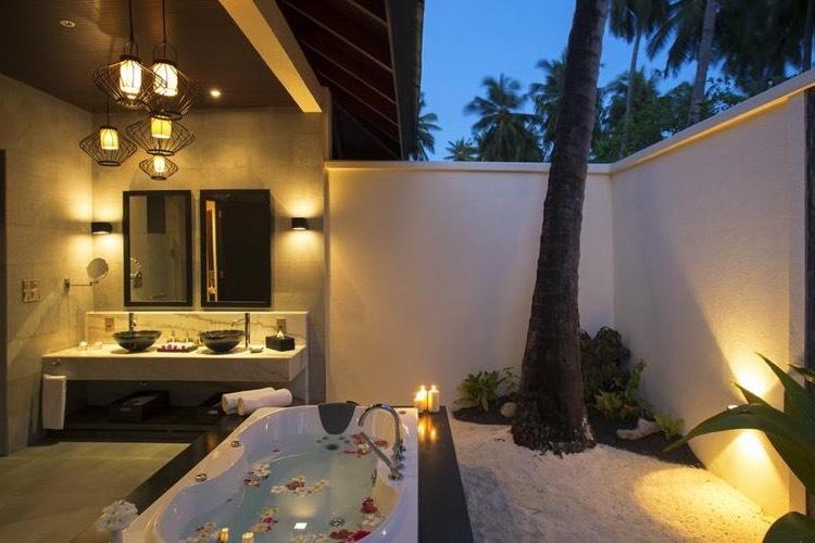 Resort Maldive Atmosphere Kanifushi beach villa