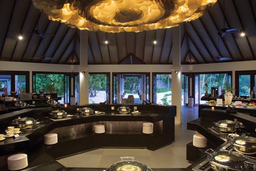 Atmosphere Kanifushi resort Maldive ristorante The Spice cucina internazionale