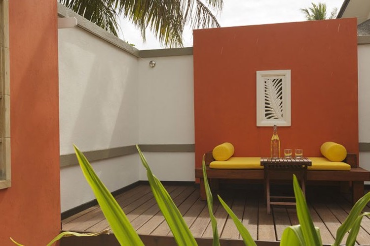 Angsana Velavaru resort Maldive beachfront villa