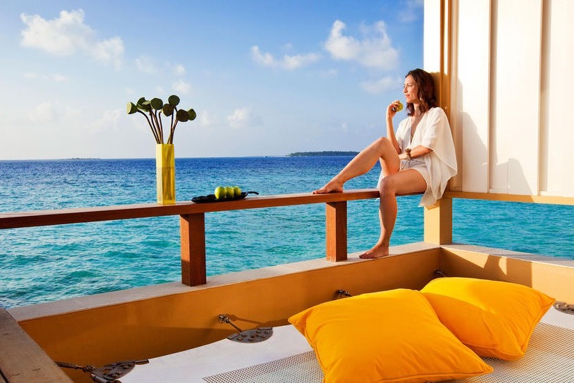 Angsana Velavaru resort Maldive InOcean sunrise pool villa with sala
