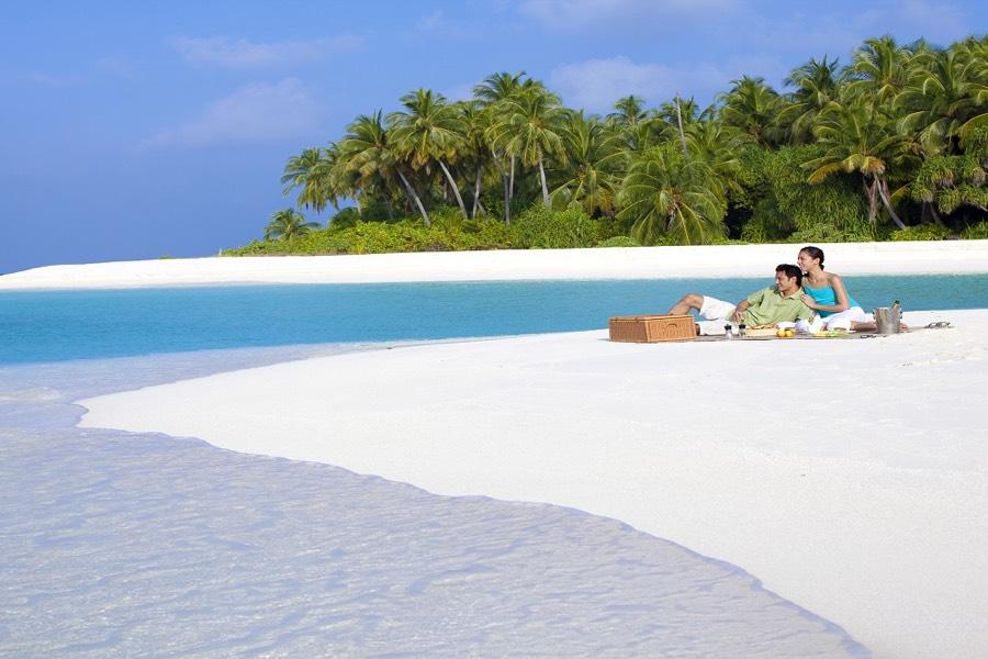 Angsana Velavaru resort Maldive pic nic experience