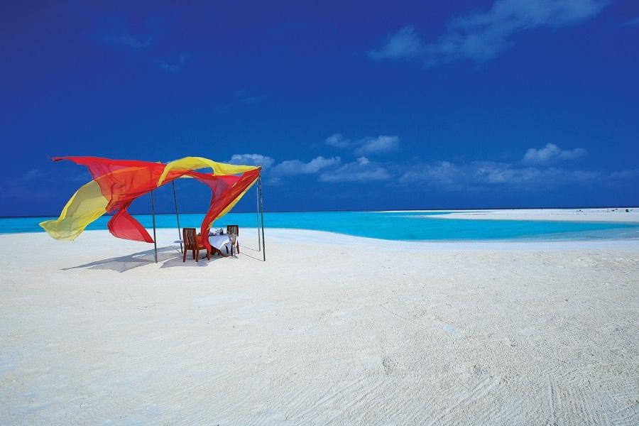 Angsana Velavaru resort Maldive cena privata su un'isola deserta