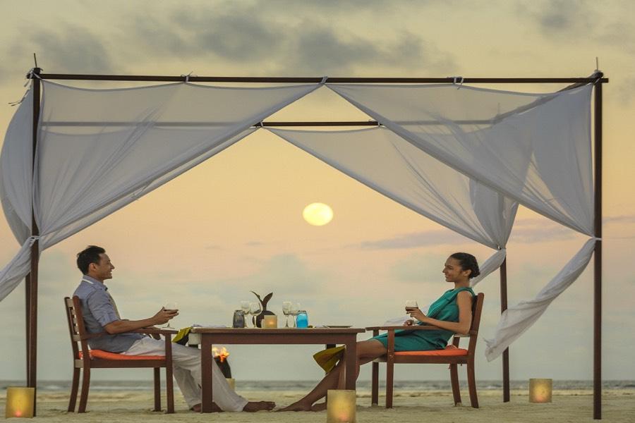 Angsana Velavaru resort Maldive BBQ experience