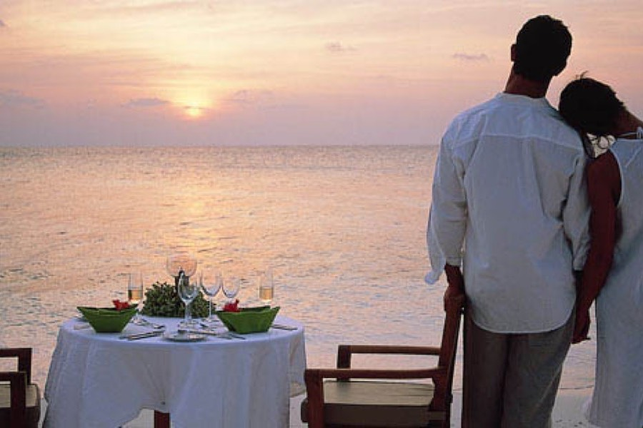 Angsana Ihuru resort Maldive cena privata in spiaggia