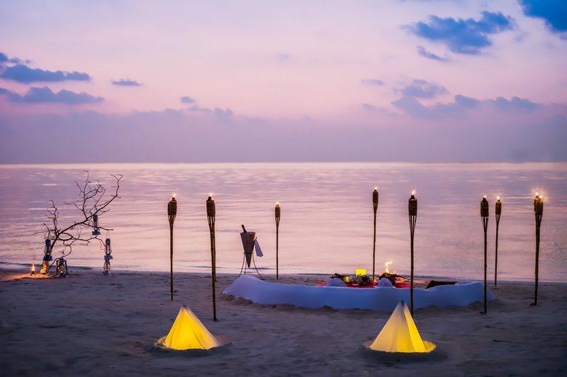 Anantara Veli Resort Maldive cena privata in spiaggia
