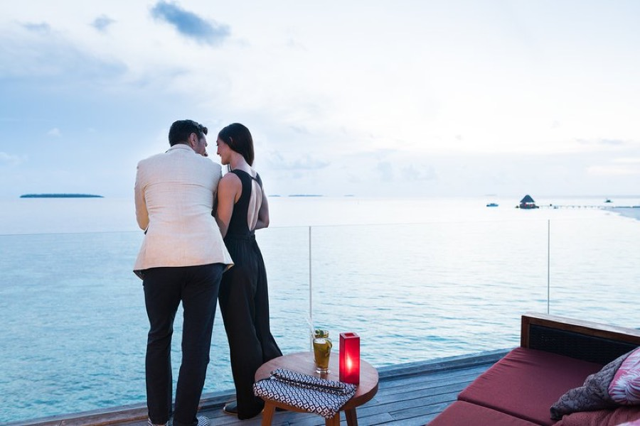 Anantara Kihavah Villas resort Maldive ristorante Sky cucina internazionale