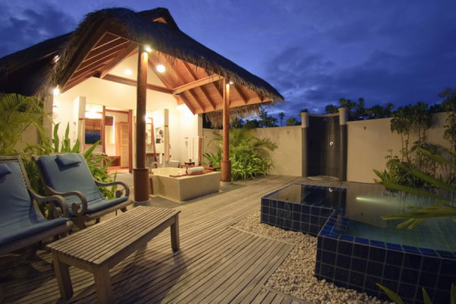 Anantara Dhigu resort Maldive sunset pool villa