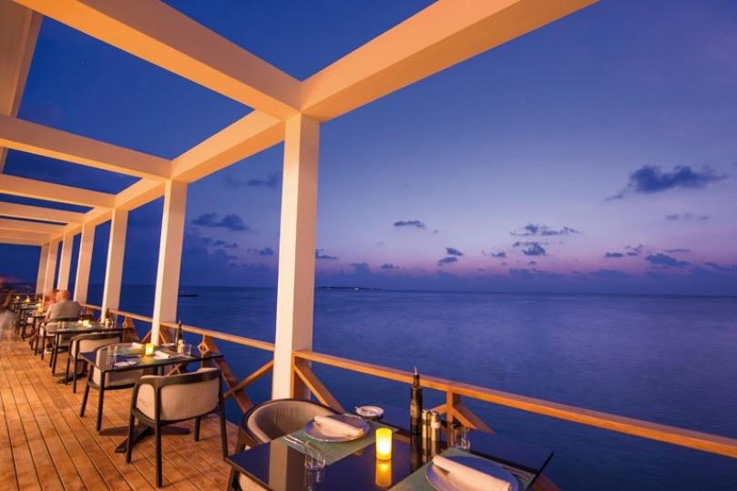 Amilla Fushi resort maldive lounge bar
