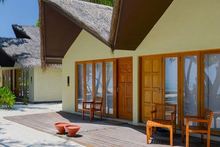 Adaaran Select Hudhuran Fushi resort maldive beach villa