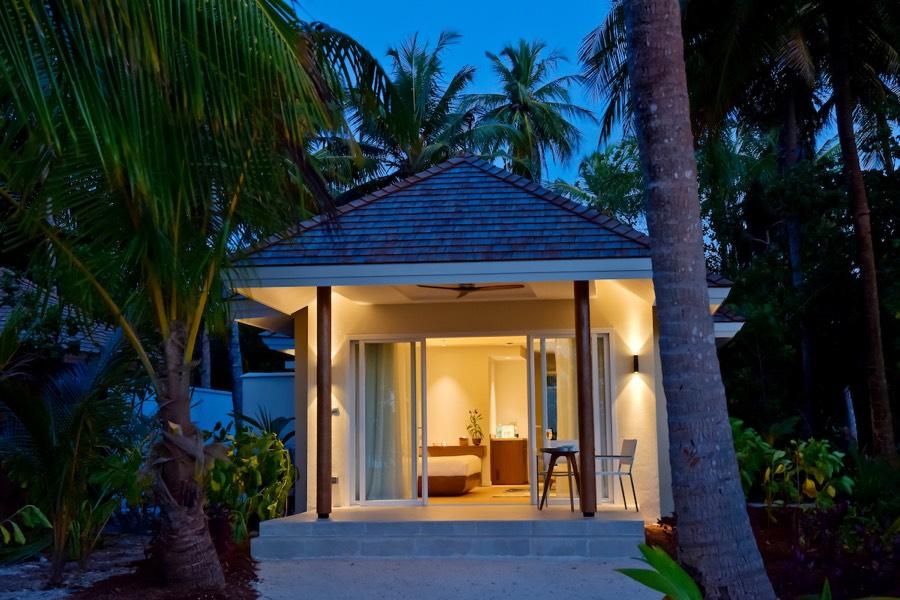 Resort Maldive Kandima Beach villa with Jacuzzi