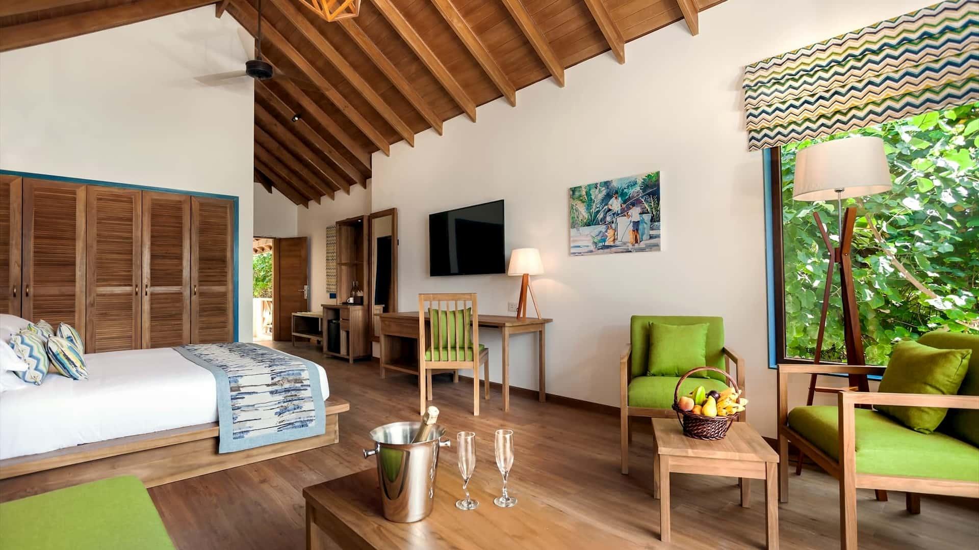Resort Maldive Reethi Faru Deluxe Jacuzzi Beach Villa