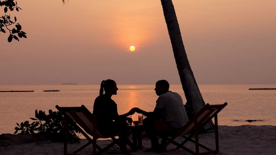 Resort Maldive Reethi Faru Sunset Bar