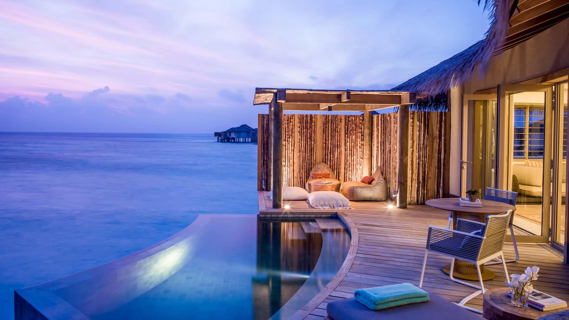 Resort Maldive Intercontinental Maamunga Resort overwater