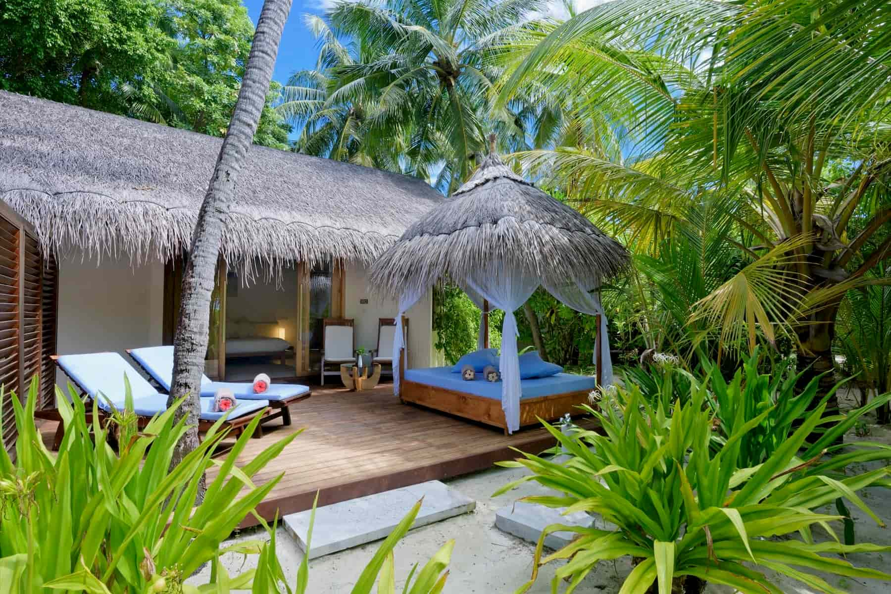 Resort Maldive Maafushivaru Island Resort beach villa