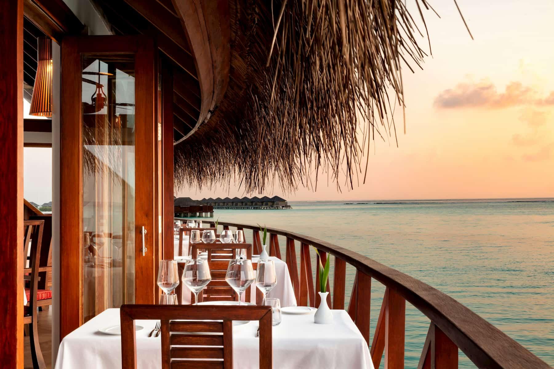 Anantara Dhigu resort Maldive ristorante terrazzo cucina italiana