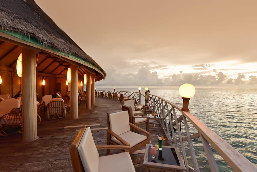 Angaga Island Resort Maldive bar