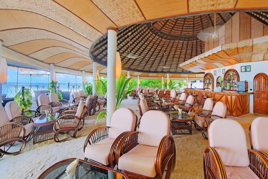 Angaga Island Resort Maldive main restaurant