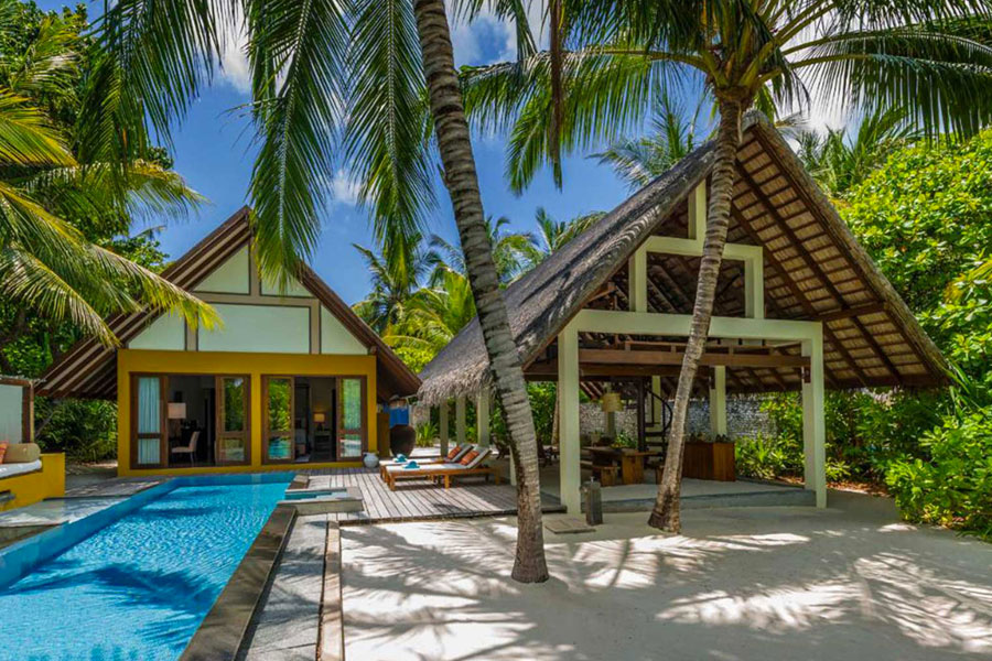 Resort Maldive Four Season Maldives at Landaa Giravaaru beach villa with pool