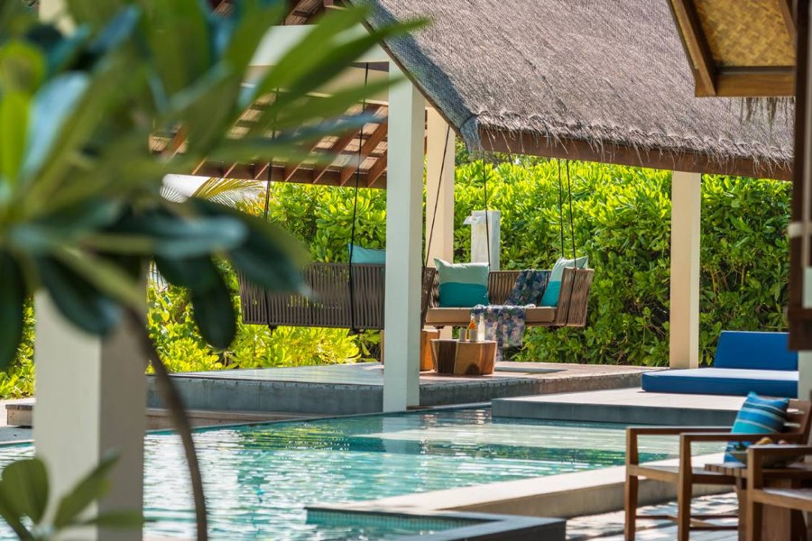 Resort Maldive Four Season Maldives at Landaa Giravaaru royal beach villa with pool