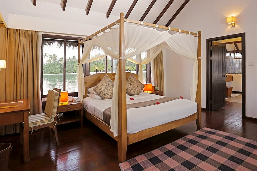 Resort Maldive Medhufushi Island Resort lagoon suite
