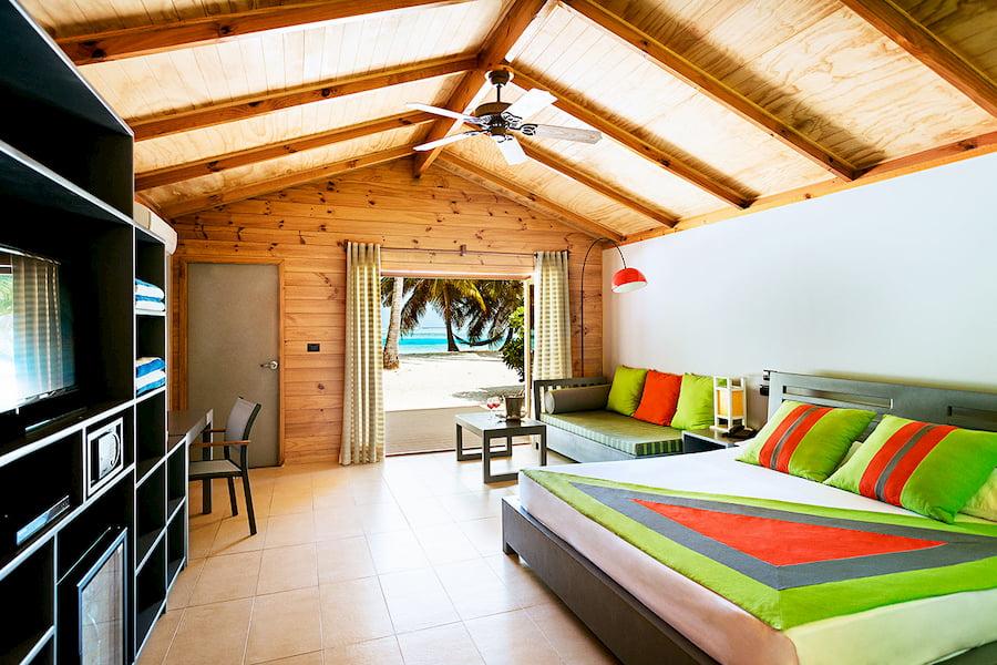 Resort Maldive Meer Island Resort & Spa beach villa
