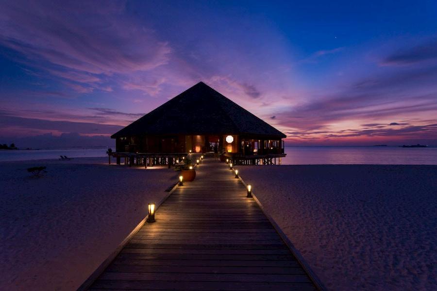 Resort Maldive Meer Island Resort & Spa Asian Wok