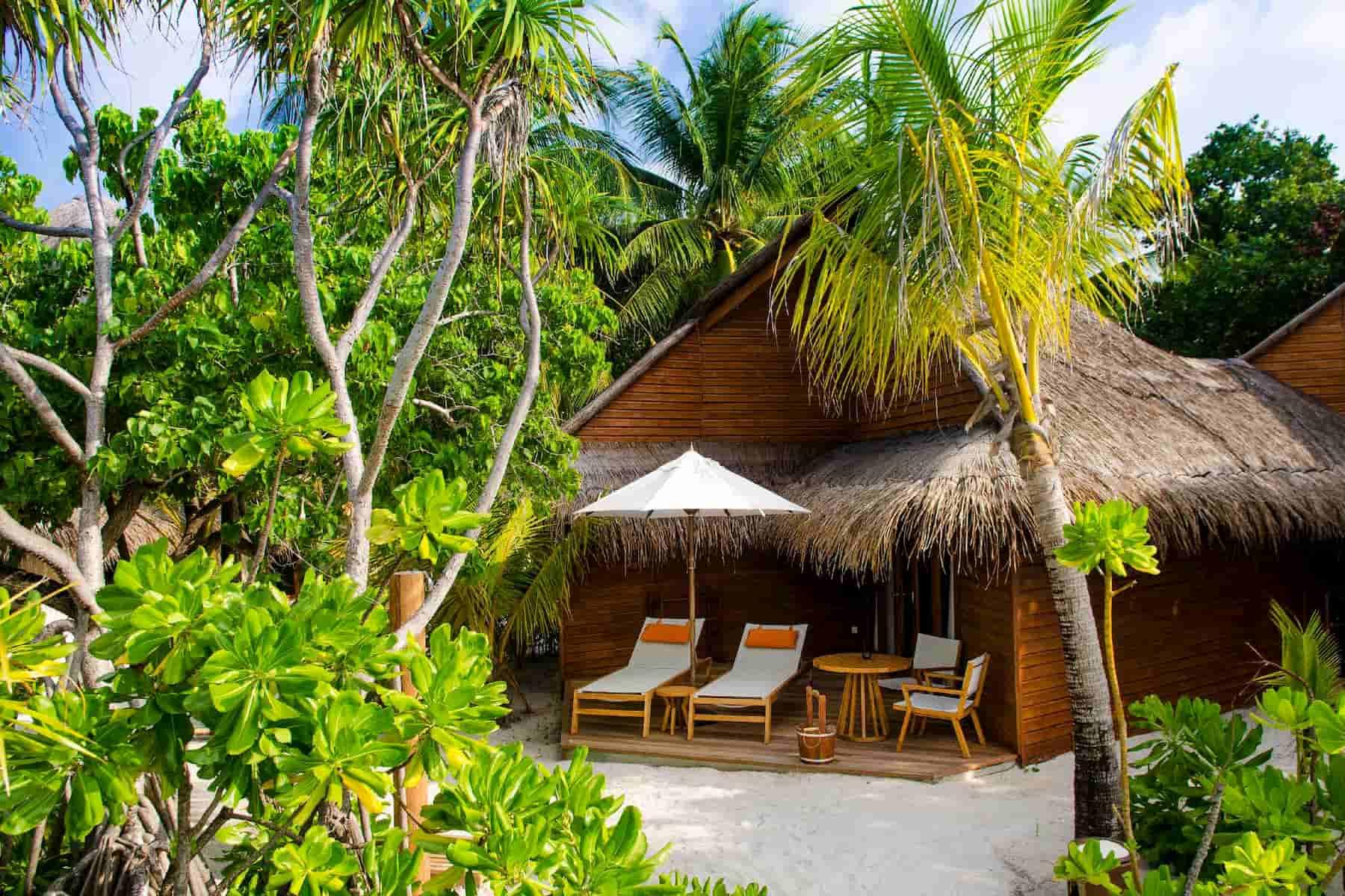 Resort Maldive Mirihi Island Resort beach villa