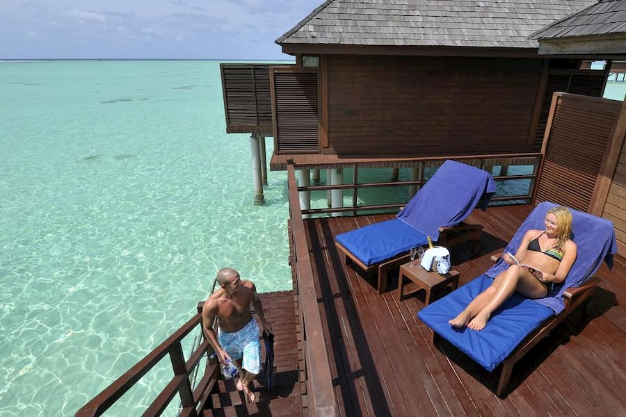 Resort Maldive Olhuveli Beach & Spa jacuzzi water villa