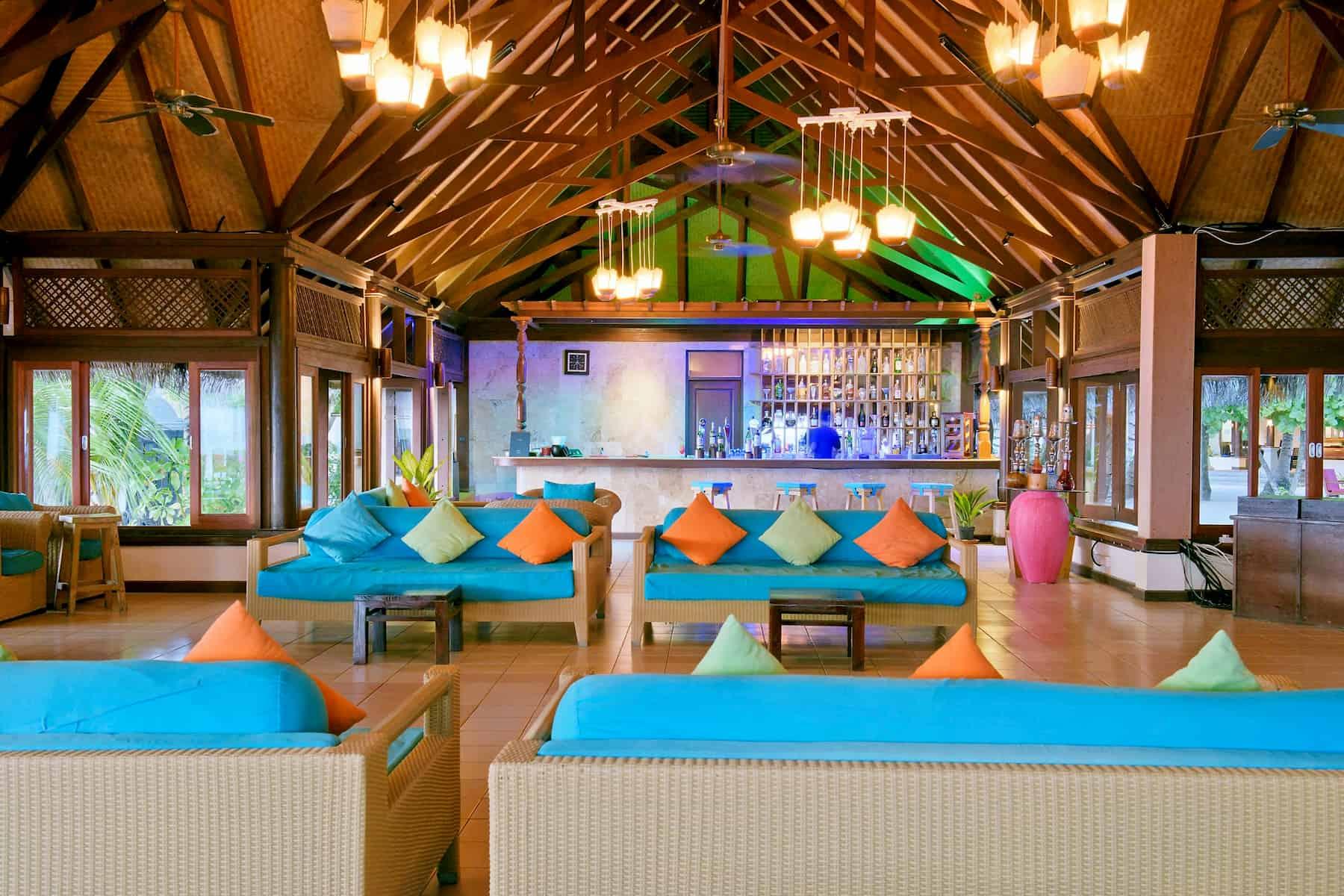 Resort Maldive Olhuveli Beach & Spa cocktail bar Lagoon Bar
