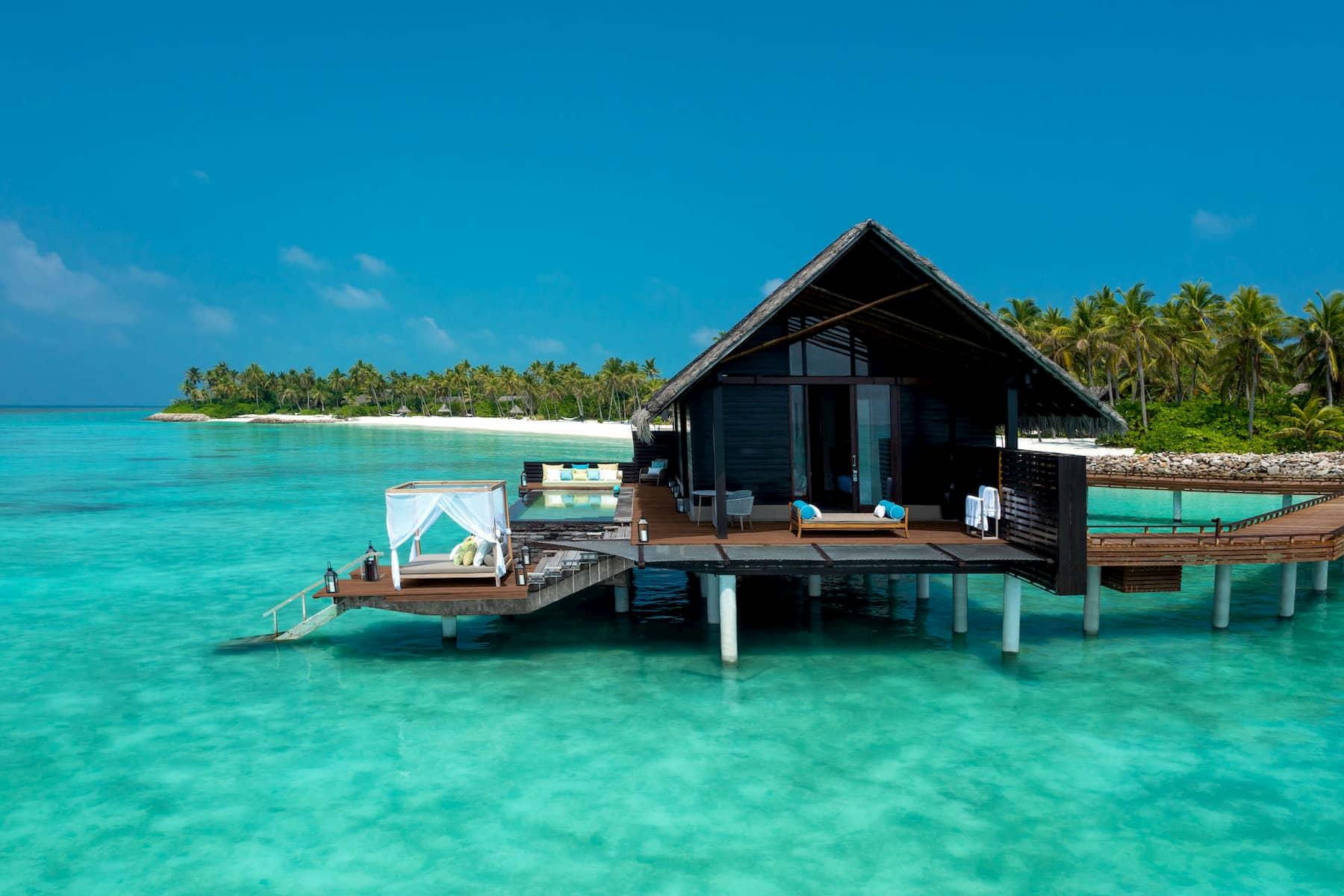 Resort Maldive One & Only Reehi Rah water villa with pool