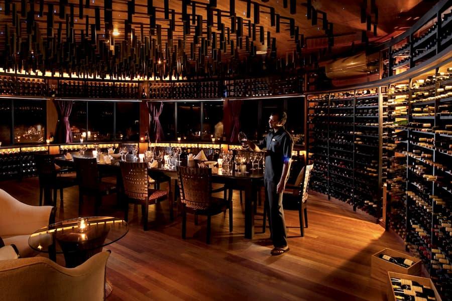 Resort Maldive The Sun Siyam Iru Fushi wine cellar