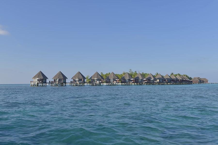 Resort Maldive Thulhagiri Island Resort & Spa water bungalow